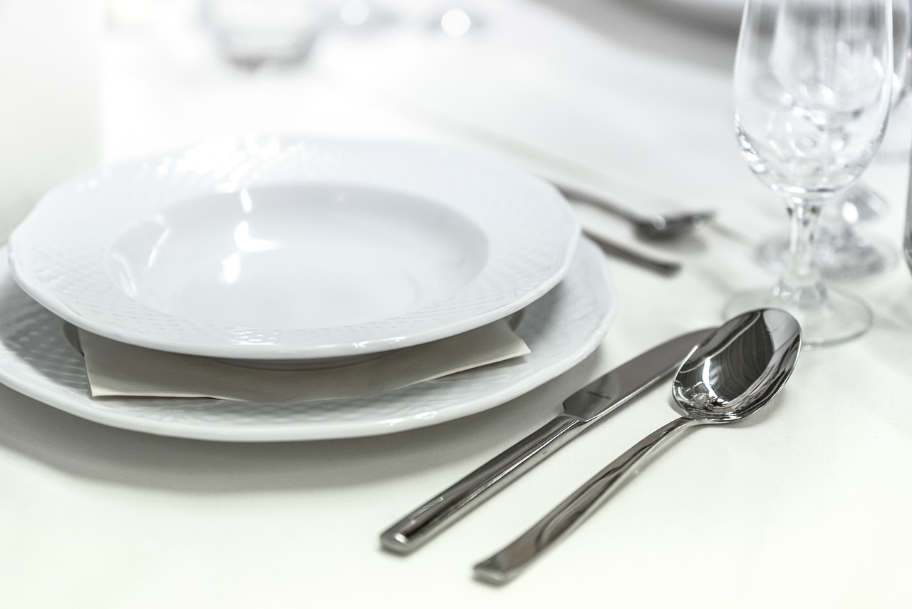 Why Getting a Catering Service Is More Cost Efficient Than DIY Party
